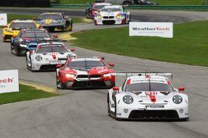 #911: Porsche GT Team Porsche 911 RSR - 19, GTLM: Nick Tandy, Fred Makowiecki, #25 BMW Team RLL BMW M8 GTE, GTLM: Connor De Phillippi, Bruno Spengler