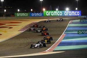Pierre Gasly, AlphaTauri AT01, Esteban Ocon, Renault F1 Team R.S.20, Lando Norris, McLaren MCL35, en Charles Leclerc, Ferrari SF1000
