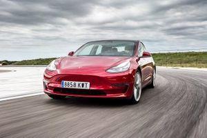 Volkswagen sfida Tesla