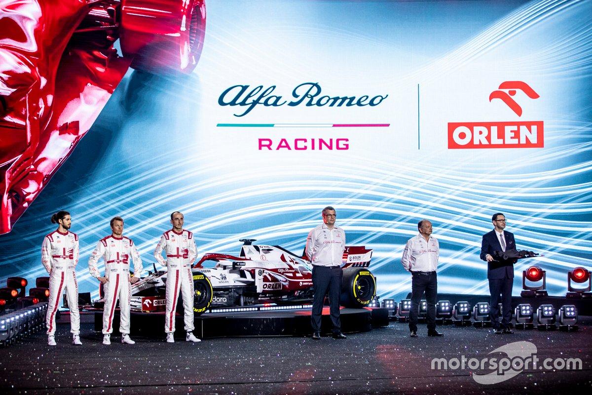 Antonio Giovinazzi, Kimi Raikkonen, Robert Kubica, Alfa Romeo Racing, Daniel Obajtek, PKN Orlen/CEO, Frédéric Vasseur, Team Principal, Jan Monchaux, Direttore tecnico