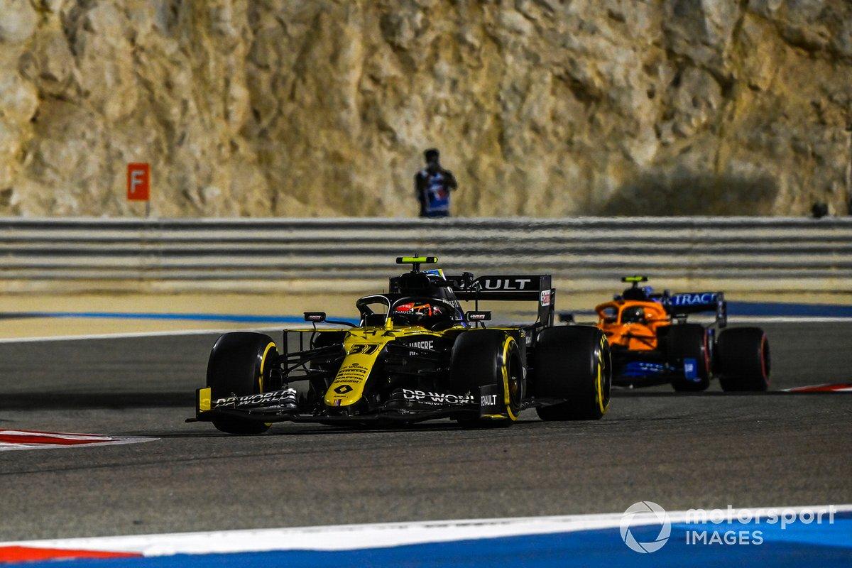Esteban Ocon, Renault F1 Team R.S.20, Lando Norris, McLaren MCL35