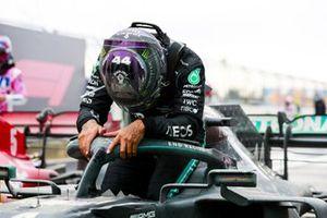 Race Winner Lewis Hamilton, Mercedes-AMG F1 celebrates his 7th World Championship title in Parc Ferme