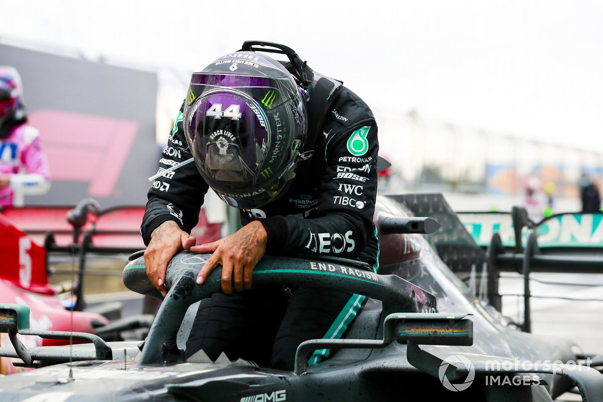 Race Winner Lewis Hamilton, Mercedes-AMG F1 celebrates his 7th World Championship title in Parc Ferme
