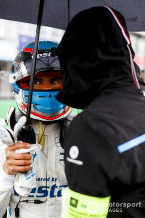 Nyck de Vries, Mercedes-Benz EQ, on the grid
