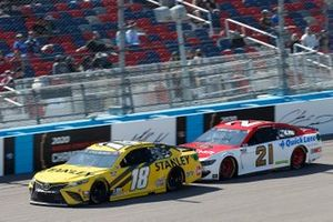 Kyle Busch, Joe Gibbs Racing, Toyota Camry STANLEY, Matt DiBenedetto, Wood Brothers Racing, Ford Mustang Motorcraft/Quick Lane