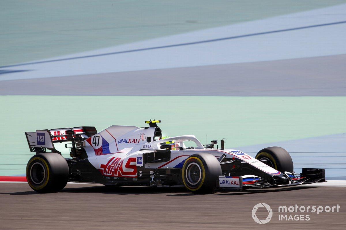 12. Mick Schumacher, Haas VF-21: 181 vueltas (979,572 km)