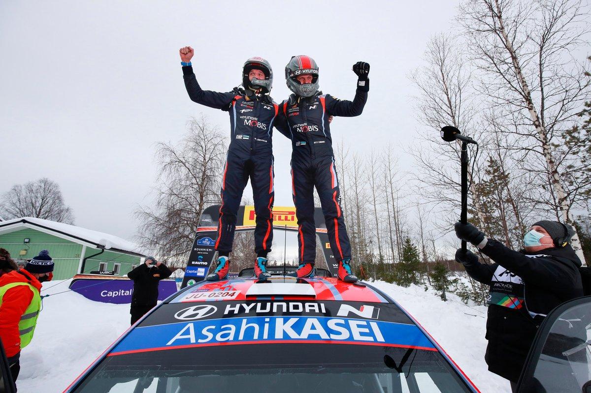 Los ganadores: Ott Tänak, Martin Järveoja, Hyundai Motorsport Hyundai i20 Coupe WRC