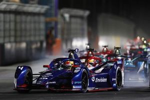 Robin Frijns, Envision Virgin Racing, Audi e-tron FE07, Sergio Sette Camara, Dragon Penske Autosport, Penske EV-4 at the start