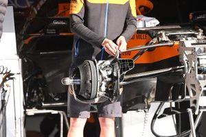 McLaren MCL35 rem detail