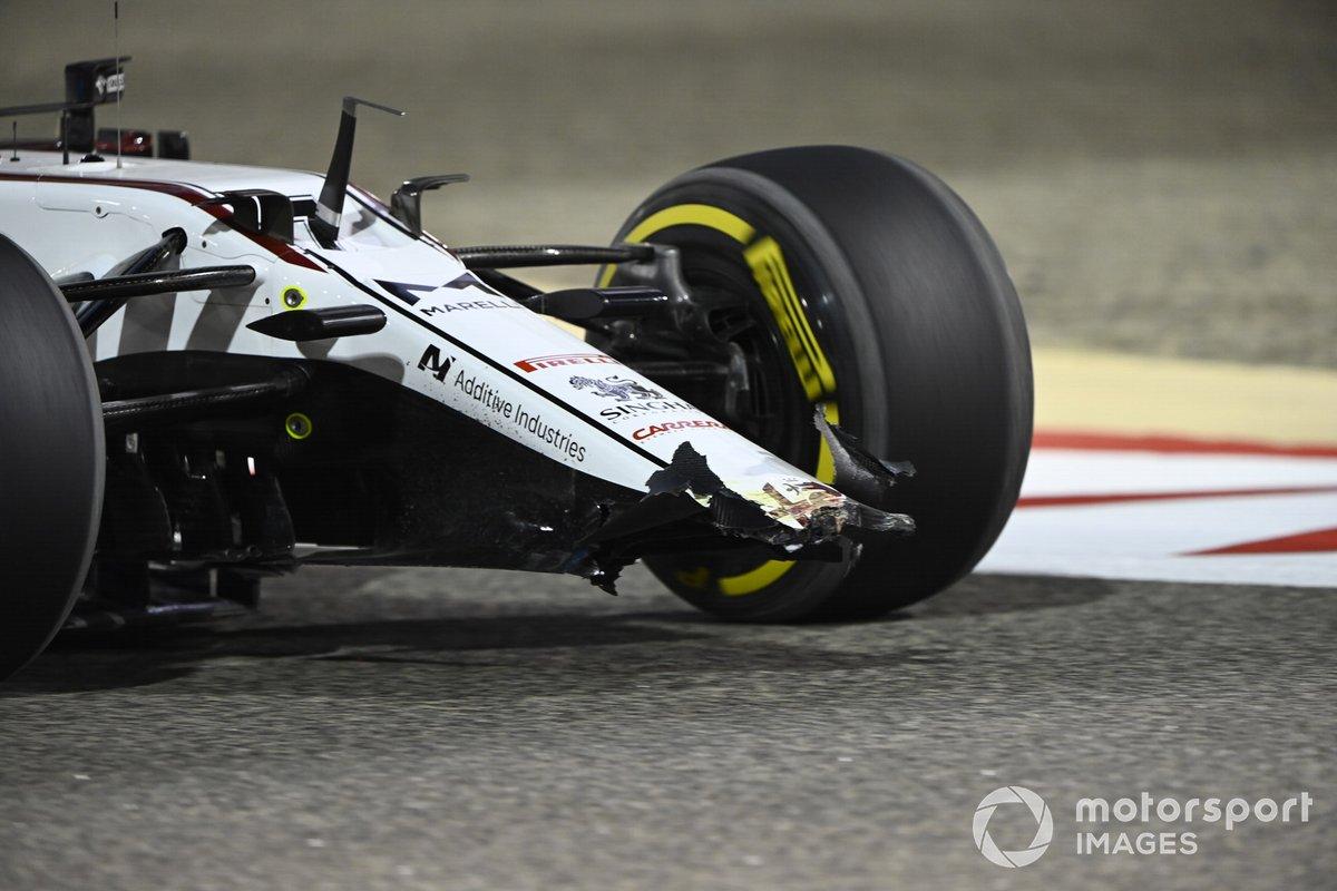 I danni all'ala anteriore sulla vettura di Kimi Raikkonen, Alfa Romeo Racing C41