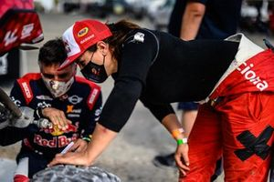Laia Sainz y Lucas Cruz, South Racing, en la Baja Dubai