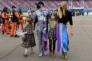 Jimmie Johnson, Hendrick Motorsports, Chevrolet Camaro, with wife Chandra Johnson, their daughters Lydia Norriss Johnson, and Genevieve Johnson