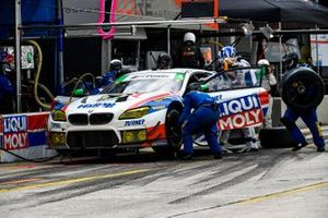 #96 Turner Motorsport BMW M6 GT3, GTD: Pit Stop, Bill Auberlen, Robby Foley, Aidan Read