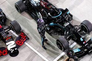 Winnaar Lewis Hamilton in Parc Ferme