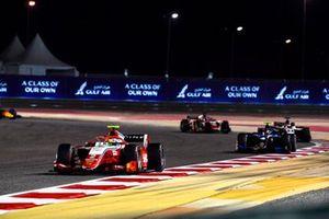 Oscar Piastri, Prema Racing, leads Felipe Drugovich, Uni-Virtuosi