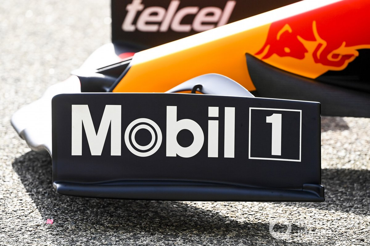 Red Bull Racing RB16B front wing detail