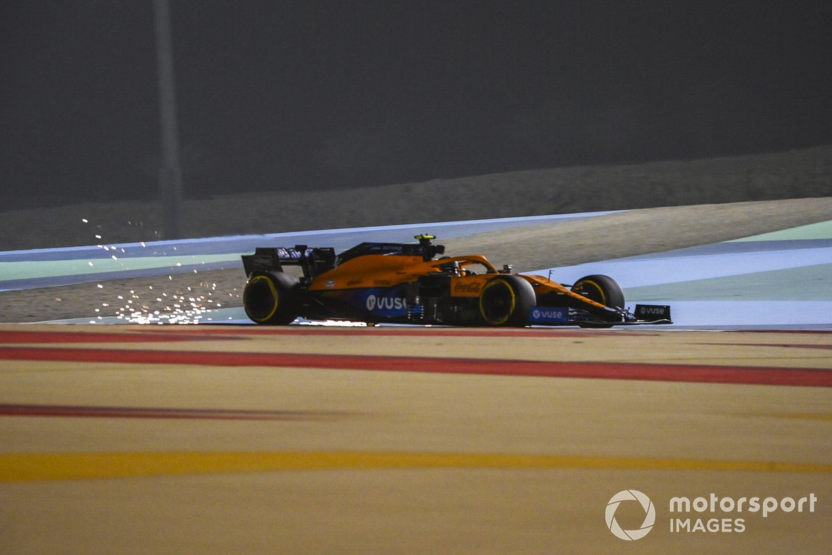 14º Lando Norris, McLaren MCL35M, 1:30.586 (con neumáticos C4)