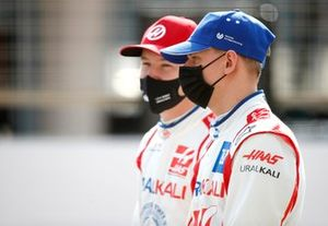 Nikita Mazepin, VF-21 and Mick Schumacher, Haas VF-21