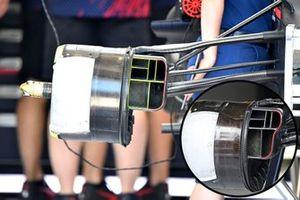Comparaison des écopes de freins avant de la Red Bull RB16B