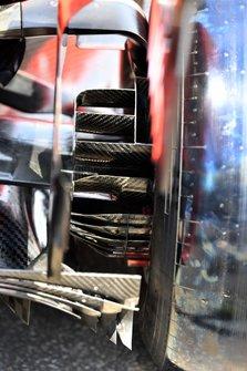 Rear brakes and floor on Ferrari SF90