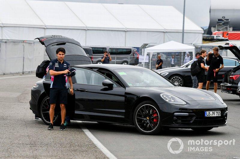 Sergio Perez, Racing Point, llega al circuito