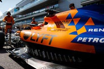 Carlos Sainz Jr., McLaren MCL34, op de grid