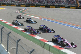 Lance Stroll, Racing Point RP19, leads Pierre Gasly, Toro Rosso STR14, Daniil Kvyat, Toro Rosso STR14, George Russell, Williams Racing FW42, Robert Kubica, Williams FW42, and Kimi Raikkonen, Alfa Romeo Racing C38, at the start
