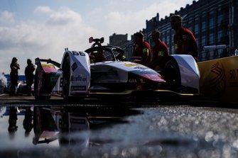 Daniel Abt, Audi Sport ABT Schaeffler, Audi e-tron FE05, in the pit lane