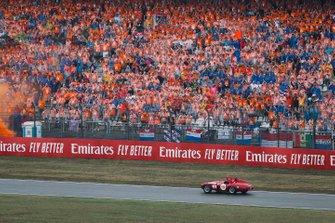 Sebastian Vettel, Ferrari SF90, lors de la parade des pilotes