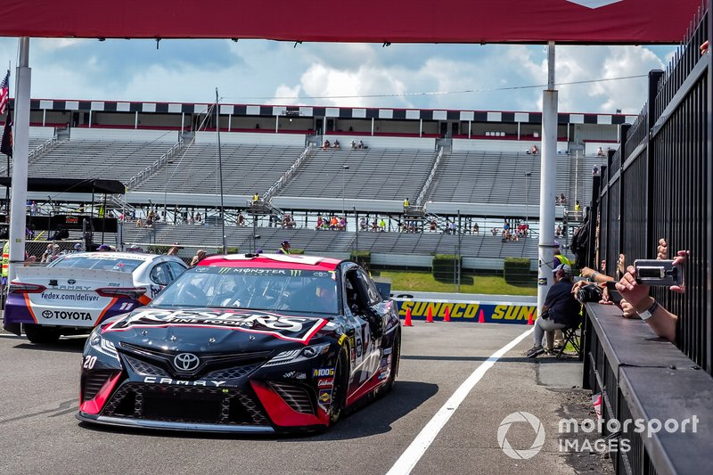 Erik Jones, Joe Gibbs Racing, Toyota Camry Reser's Main St Bistro, Denny Hamlin, Joe Gibbs Racing, Toyota Camry FedEx Ground