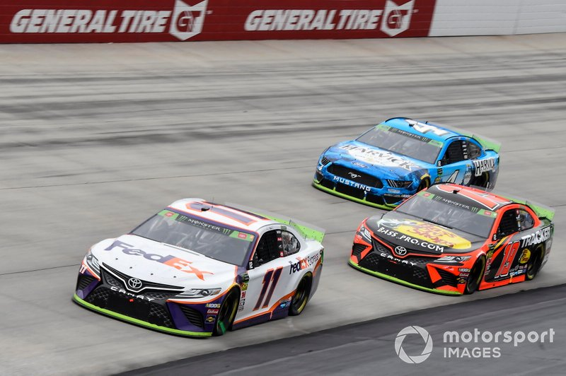 Denny Hamlin, Joe Gibbs Racing, Toyota Camry FedEx Express, Martin Truex Jr., Joe Gibbs Racing, Toyota Camry Bass Pro Shops, Kevin Harvick, Stewart-Haas Racing, Ford Mustang Busch Beer All Harvick