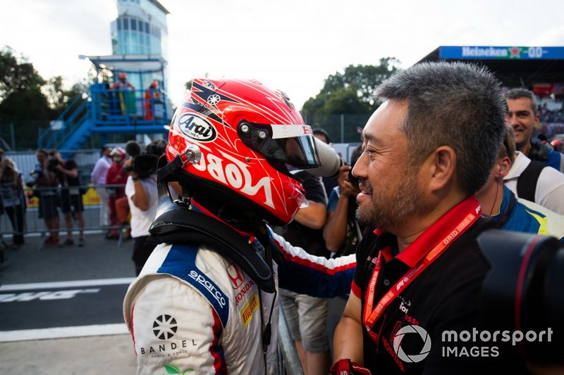 Nobuharu Matsushita, Carlin con Masashi Yamamoto, Director General, Honda Motorsport