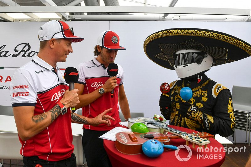 Kimi Raikkonen, Alfa Romeo Racing, Antonio Giovinazzi, Alfa Romeo Racing, Mario Achi