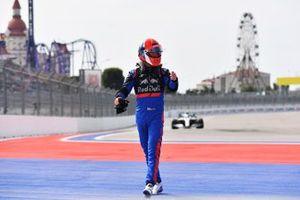 Daniil Kvyat, Toro Rosso, stops in FP1