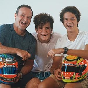 Rubens Barrichello com os filhos Fernando e Eduardo