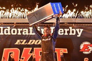 Race winner Stewart Friesen, Halmar Friesen Racing, Chevrolet Silverado