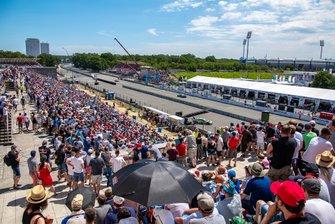 Athmosphere, Spectators, Steintribuehne, Marco Wittmann, BMW Team RMG, BMW M4 DTM