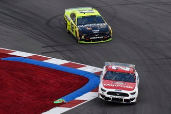 Paul Menard, Wood Brothers Racing, Ford Mustang Motorcraft / Quick Lane Tire & Auto Center, Ryan Blaney, Team Penske, Ford Mustang Menards/Duracell