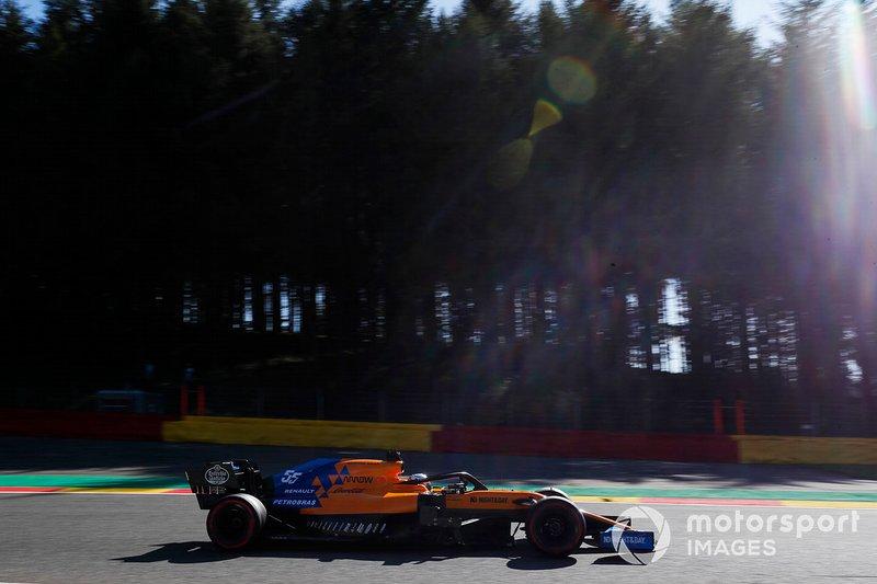15. Carlos Sainz: 1:46.507 (penalización por motor)