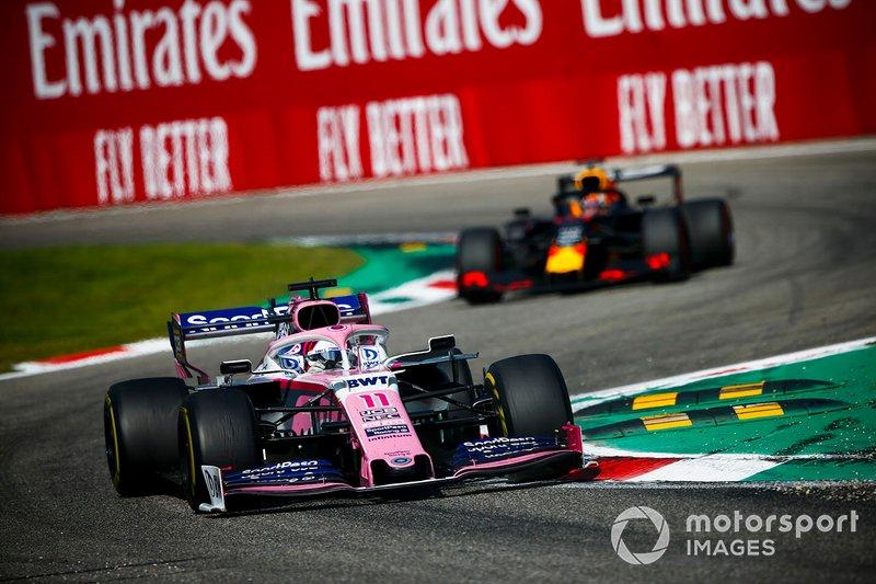 Pérez segura Verstappen