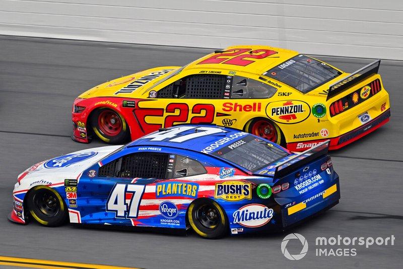 Ryan Preece, JTG Daugherty Racing, Chevrolet Camaro Kroger and Joey Logano, Team Penske, Ford Mustang Shell Pennzoil