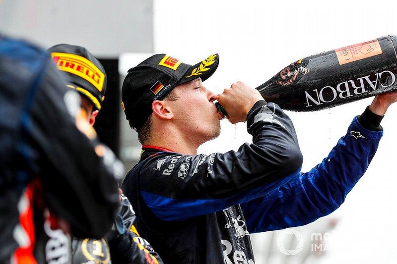 Podio: tercer lugar Daniil Kvyat, Toro Rosso