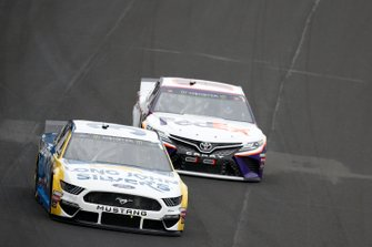 David Ragan, Front Row Motorsports, Ford Mustang Mannington Commercial Denny Hamlin, Joe Gibbs Racing, Toyota Camry FedEx Express
