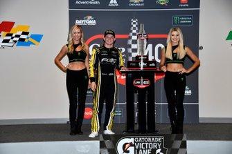 1. Justin Haley, Spire Motorsports, mit den Monster-Girls