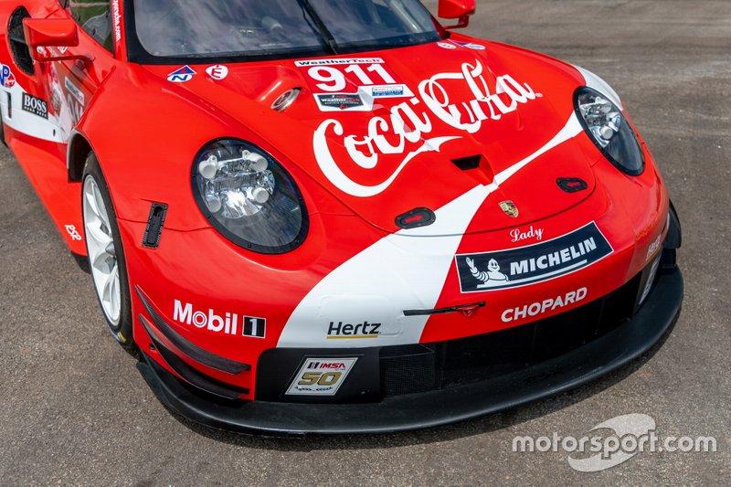 La decoración del Porsche 911 RSR, dedicada a Coca-Cola