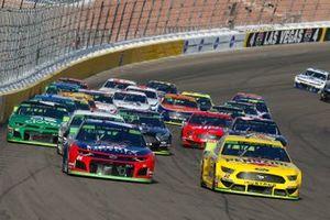 Joey Logano, Team Penske, Ford Mustang Pennzoil and William Byron, Hendrick Motorsports, Chevrolet Camaro Liberty University