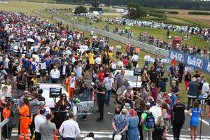 Fans on the BTCC Grid