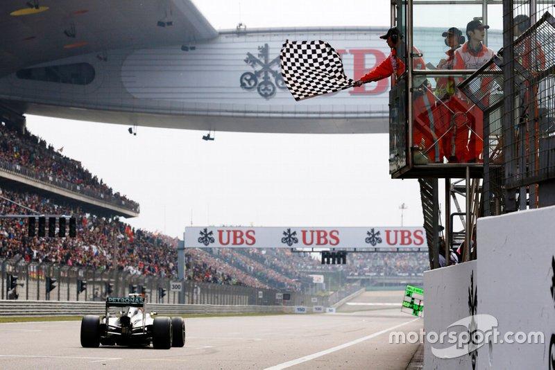 Ganador de la carrera Lewis Hamilton, Mercedes AMG