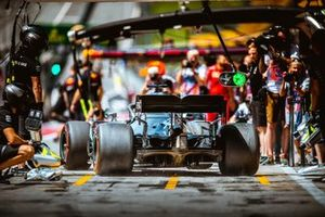Lewis Hamilton, Mercedes-AMG W10