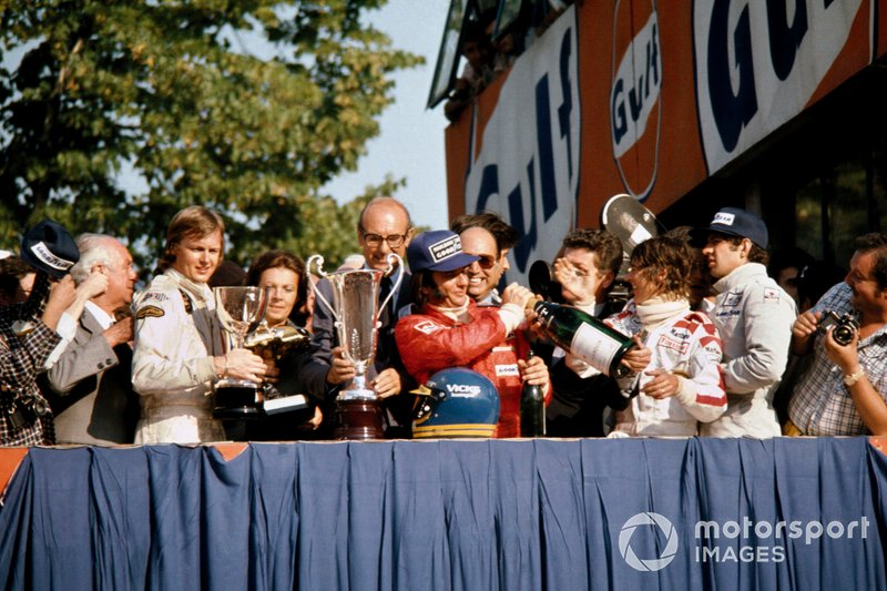 Podium: Race winner Ronnie Peterson, Lotus Ford, second place Emerson Fittipaldi, McLaren Ford, third place Jody Scheckter, Tyrrell Ford